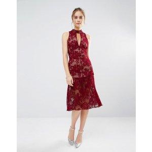 Endless Rose 酒红蕾丝连衣裙