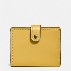 COACH: Small Trifold Wallet In Glovetanned Leather