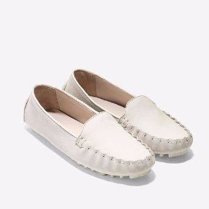 Womens Cary Venetian Drivers in Silvercloud | Cole Haan