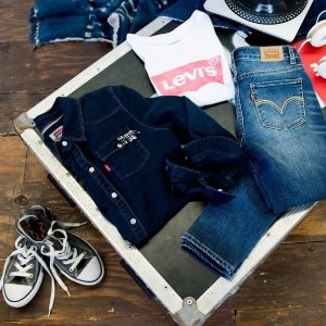 Save Up to 75% OFFLevi's Men's Warehouse Closeout Sale