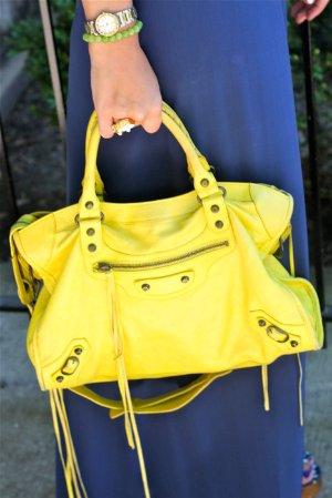 30% offSelect Balenciaga Handbags @ Mytheresa