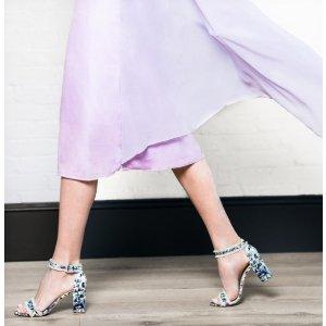 Frayed Block Heel Sandals - Shoes | Shop Stuart Weitzman