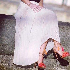 Up To 50% OffAquazzura Shoes Sale @ Barneys New York