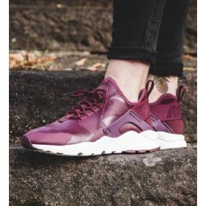 Nike Air Huarache Ultra Premium Women's Shoe.