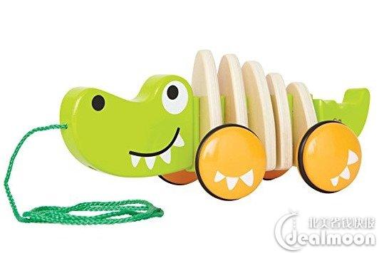 小朋友可以拉着小鳄鱼行走,可爱的鳄鱼造型设计能够引起宝宝的兴趣