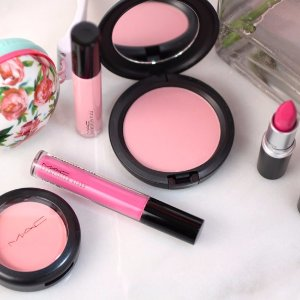 $25 Off $75 & Free Giftwith M·A·C Cosmetics Purchase @ Gilt City