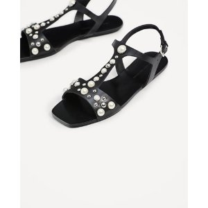 FLAT LEATHER SANDALS WITH PEARLS