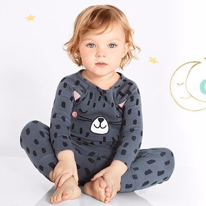 60% Off + Extra 25% Off $40Free Shipping on Pajamas and 2-Piece Sets @ Carter's