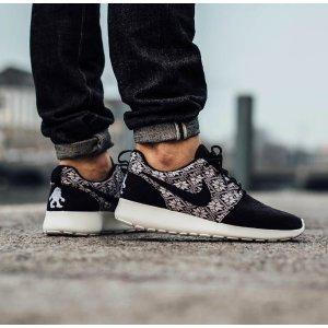 Nike Roshe One Winter - Men's - Running - Shoes - Obsidian/Obsidian/Sail