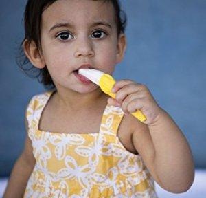 $4.71Baby Banana 幼儿可弯曲训练牙刷