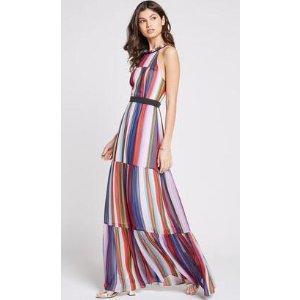 彩虹连衣裙