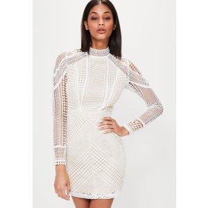 Missguided - Premium White Structured High Neck Lace Mini Dress