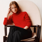 100% Cashmere V-Necks and Turtleneck Sweaters On Sale @ UNIQLO