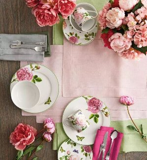 25%-30% Off + Free ShippingDining Room Sale @ Horchow