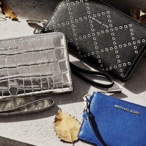 Extra 25% OffSelect MICHAEL Michael Kors Wallets @ Michael Kors