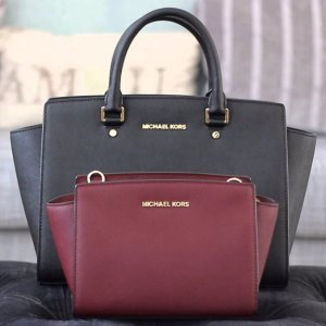 Last Day: Additional 25% off Already-reduced Styles @ Michael Kors