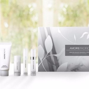 Receive luxury gift setWith select product purchase @ AMOREPACIFIC(爱茉莉美国官网)