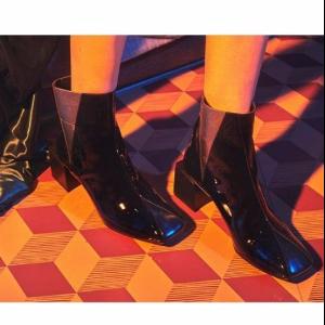 [modern Line]df Chelsea Boots_bl