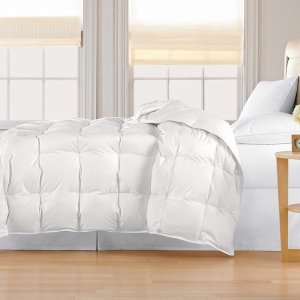 Classic 240 Threadcount Lightweight All-season White Down Comforter | Overstock.com Shopping - The Best Deals on Down Comforters