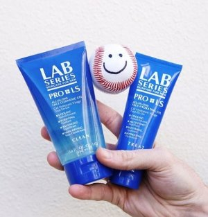 Receive a Free Full Size Invigorating Face Scrubwith your $50 Purchase