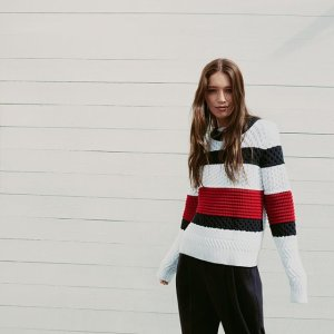 40% OffWomen's Sweater and Fleece @ Tommy Hilfiger
