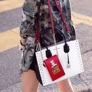 Up to 50% Off + Extra 25% OffMICHAEL Michael Kors Crossbody Bags @ Michael Kors