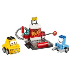Guido and Luigi's Pit Stop | LEGO Shop