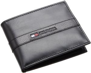 $13Tommy Hilfiger Men's Leather Ranger Passcase Wallet