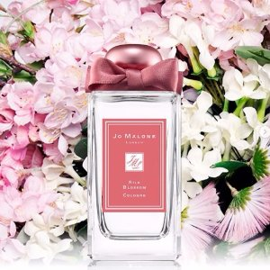 SELECT THREE SCENTED TREATSWITH All orders over $100