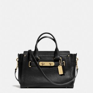 COACH: Swagger Carryall In Pebble Leather