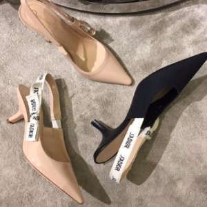$790起 裸色,枣红色,黑色都有货预售:Dior女士爆款平底鞋,高跟鞋,短靴等