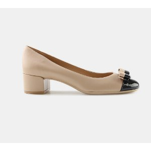 Salvatore Ferragamo Elea 40 Two-Tone Vara Bow Pump Pumps | ELEVTD Free Shipping & Returns
