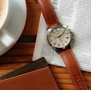$69.98 (原价$115)包邮Fossil 男士复古时装腕表特卖