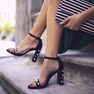 变相7.7折 收新款钻扣平底鞋