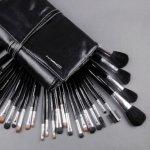 Makeup Brush @ MAC Cosmetics