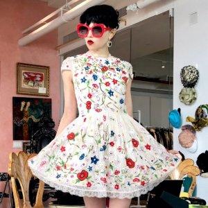 60% Offon Women's Dresses @ Alice & Olivia
