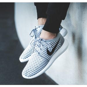 Nike Roshe Two Flyknit Women's Shoe.