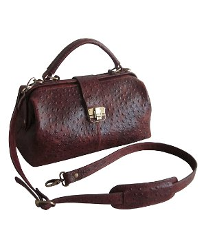 Up to 60% OffCasual Leather Carryalls @ Zulily