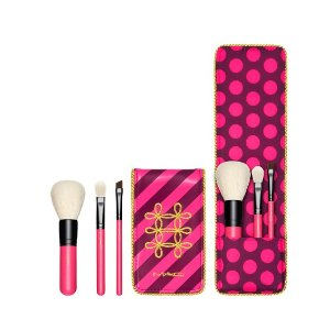 NUTCRACKER SWEET ESSENTIAL BRUSH KIT