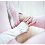 Pink Sneakers @ New Balance