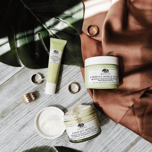 25% Off + Free GiftsWith Origins Moisturizer Purchase @ Bon-Ton