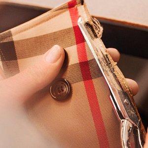5折起  格纹水桶包、双肩包补货上新:巴宝莉美国官网季末大促  粉色钱包$295收