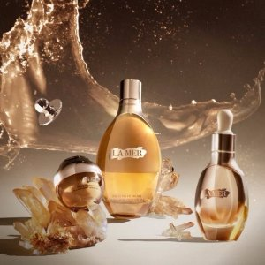 Enjoy a deluxe sample of Crème de la Merwith any purchase