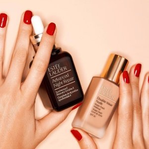 receive a free 7-pc giftwith $45 purchase @ Estee Lauder