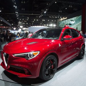 大版Giulia新车资讯 2018 Alfa Romeo Stelvio中型SUV