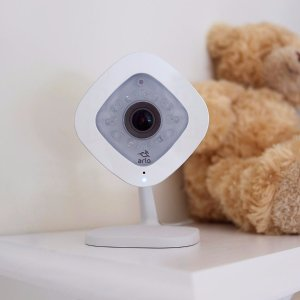 Netgear Arlo VMC3040 Q-1080P HD Wired Security Camera with Audio and Cloud Storage