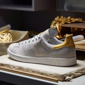 最后一天 7折+免邮!$28收爆款破天荒:Adidas 精选Stan Smith小绿尾等休闲鞋促销