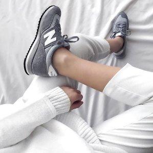 $63.74Women's 620 Sneakers @ New Balance