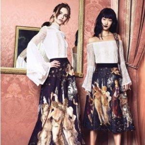 低至6折+免邮Alice + Olivia 女式上衣、裤子及连衣裙等热卖