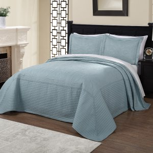 From $52.19Vibrant Solid-colored Microfiber/ Cotton Quilted French Tile Bedspread
